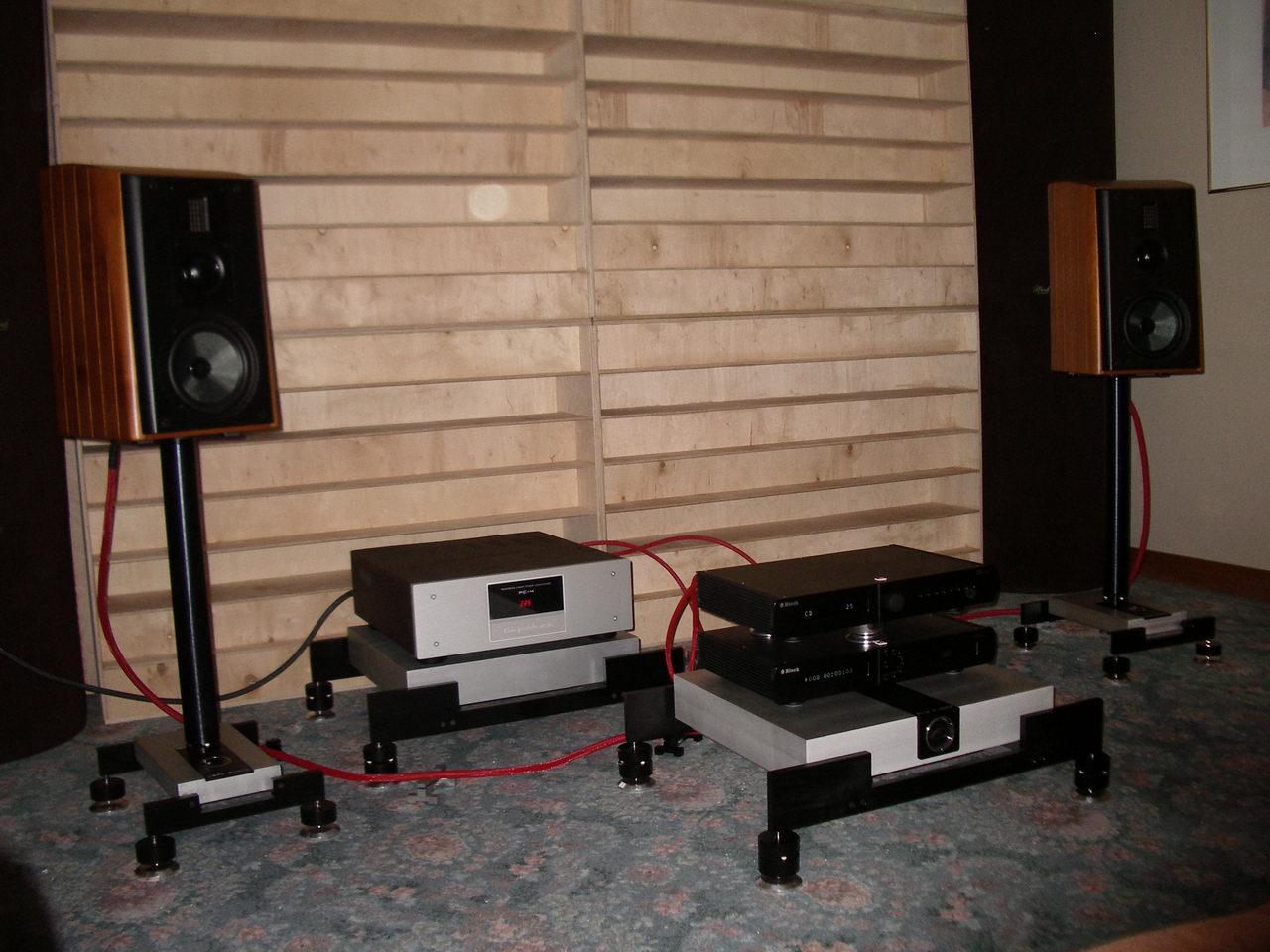 2010_11_06-07_Audio Show 04