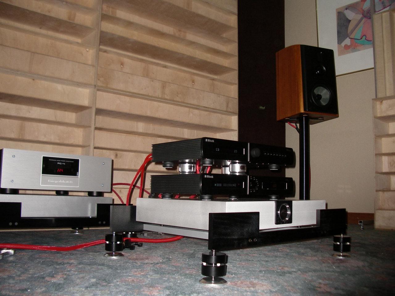 2010_11_06-07_Audio Show 05